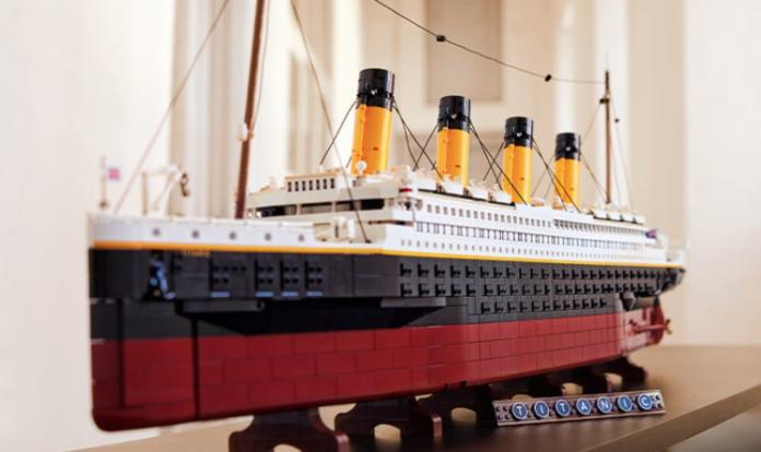 LEGO-Titanic-Complete